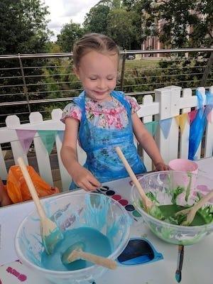 Children enjoy free summer fun